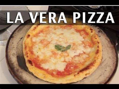 ricetta pizza fatta in casa pizza margherita ricetta della vera pizza napoletana