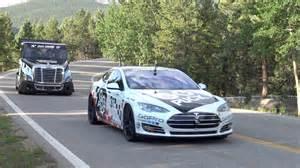 Rent A Tesla Chicago Ludicrous Tesla Model S P90d Races Up Pikes Peak Hopes To