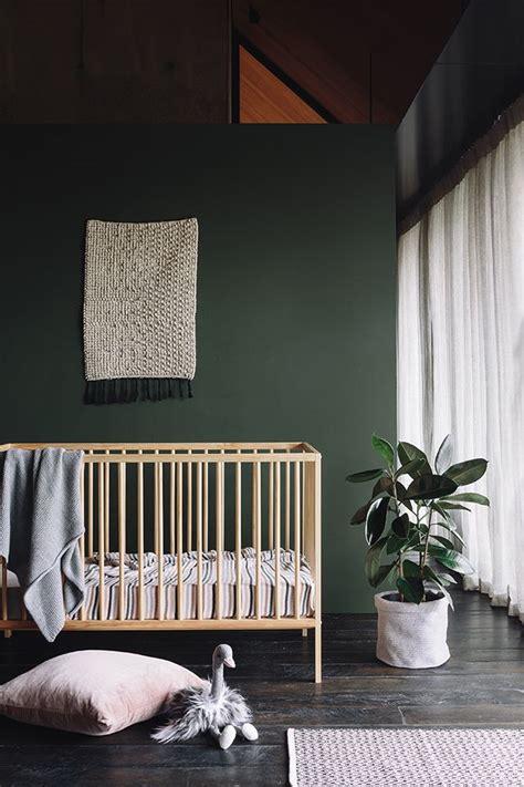 dark green walls ideas  pinterest dark green