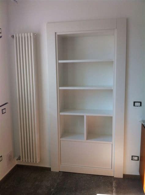 libreria con porta libreria o porta
