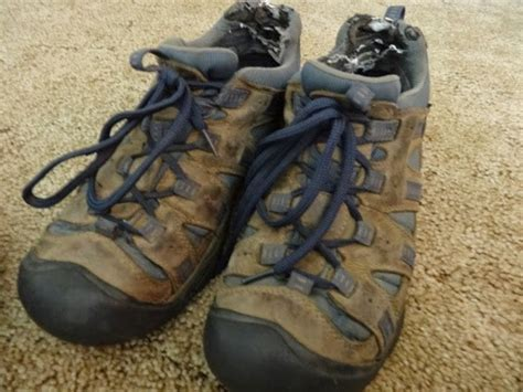 what kind of boots does agent keen wear on blacklist keen shoes review are they the best shoes for traveling