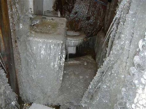 michigan frozen burst pipes water damage cleanup