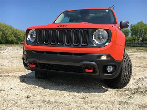 jeep crossover jeep renegade trailhawk convenient crossover capable