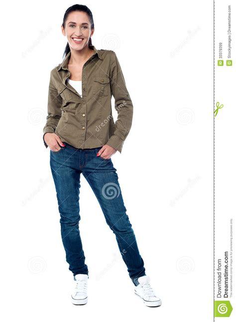 ropa formula joven ropa de moda mujer mujer joven en ropa de sport de moda im 225 genes de archivo