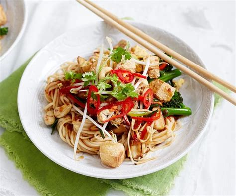 vegetarian recipes with egg noodles vegetarian egg noodle pad thai recipe recipe food to