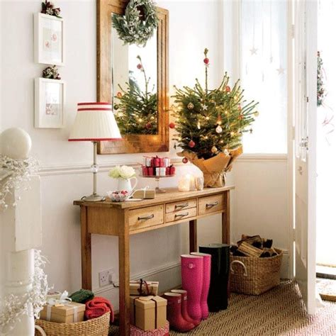 simple christmas home decorating ideas christmas tree decorating ideas 10 beautiful ideas