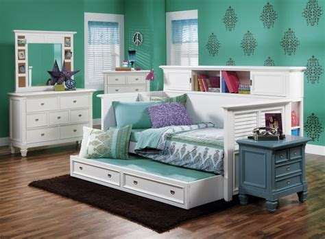 day beds for girls 17 best images about home girl room on pinterest day bed captains bed and girls