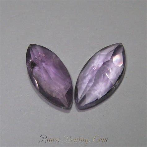 Batu Ereke Sulawesi Tenggara 2 Pcs K 094 Berkualitas 1 2 pcs batu kecubung bentuk marquise 2 2 carat