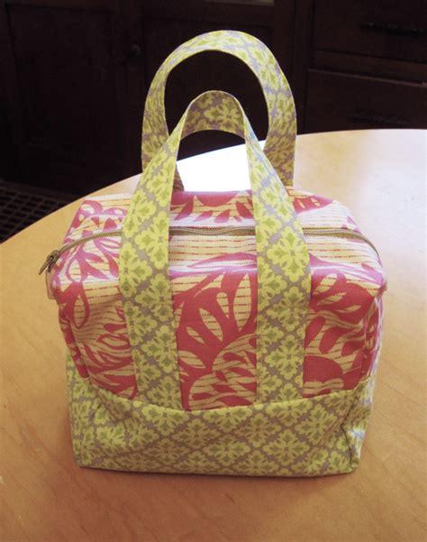 boxy tote bag pattern 187 box bag tutorial the cottage revolution