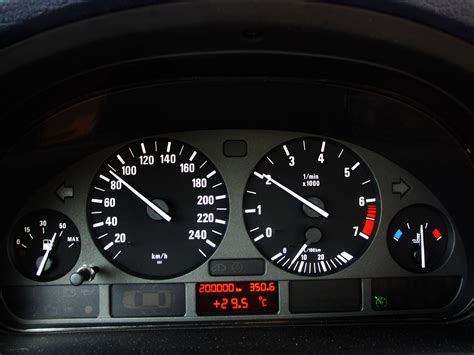 how cars run 2003 bmw m3 instrument cluster file bmw e39 523i instrument panel jpg wikimedia commons
