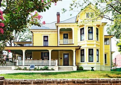 yellow exterior paint yellow house exterior paint inspiration y e l o youth