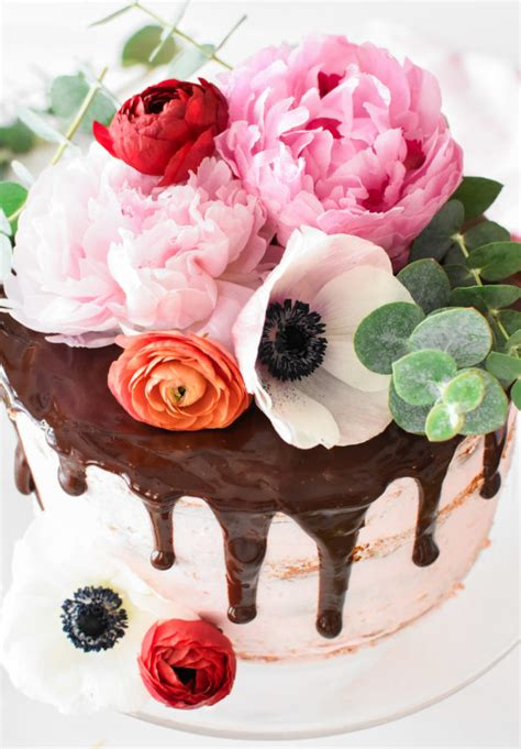 how to decorate cake with fresh flowers cake decorating chocolate covered strawberry birthday cake with fresh