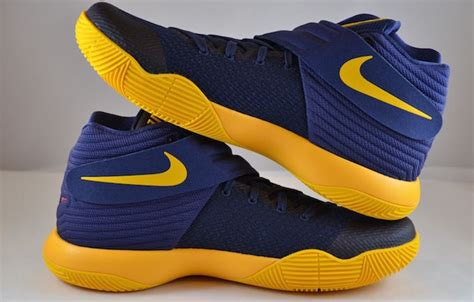 Sepatu Basket Kyrie 3 Cavs Blue Navy Blue Yellow nike kyrie 2 cavs sneaker bar detroit