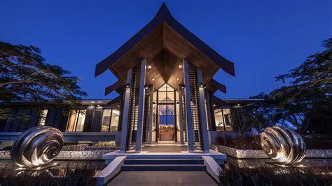 villa sawarin cape yamu phuket  night