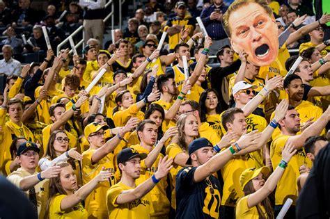 u of m fan university of michigan basketball