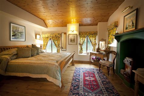 cottage master bedrooms thatchers rest cottage master bedroom coastal homes coastal property ireland