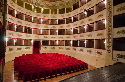 teatro persiani recanati recanati teatro persiani qui tenne concerti beniamino