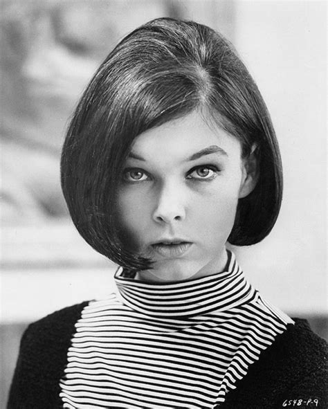 actress ynovnne nelson with bob hair actress yvonne craig in 1965 most folks recognize her