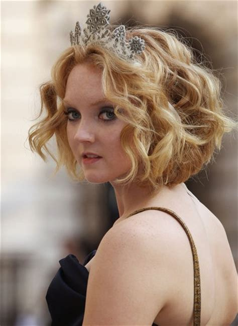 lizly hairstile lily cole short hairstyles popular haircuts