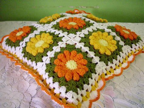 Bantal Bunga Putih Putik Oren diela s crochet crochet sarung bantal kusyen oren dan kuning