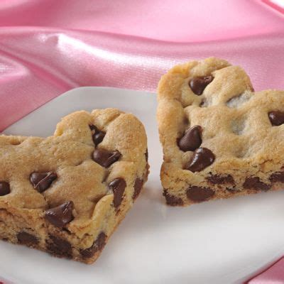 toll house chocolate chip cookies 25 best ideas about heart shaped cookies on pinterest heart cookies valentine
