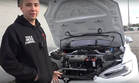 Tesla Company Owner Tesla P100d Owner Shatters 1 4 Mile Record After Removing
