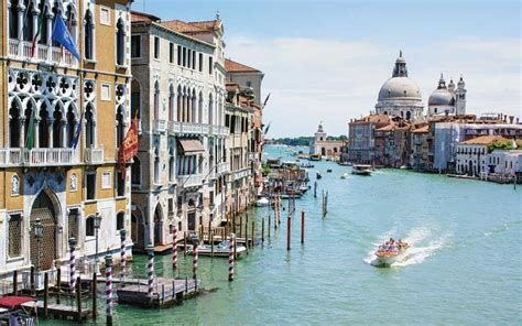 cheap flights to italy on sale for 303 trip