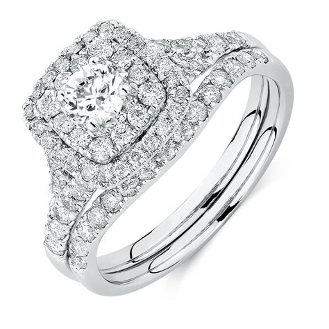 bridal set with 1 18 carat tw of diamonds in 14kt white gold