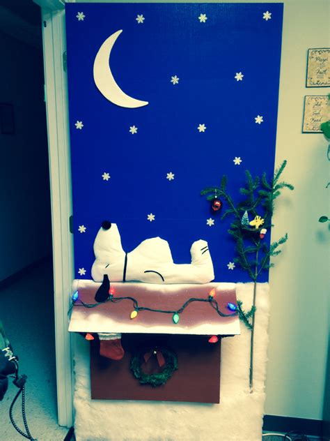 snoopy christmas decor