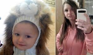 mom charged  child abuse  leaving son  home   returning  hours