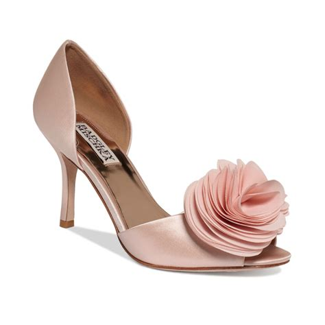badgley mischka thora evening pumps in pink pink satin