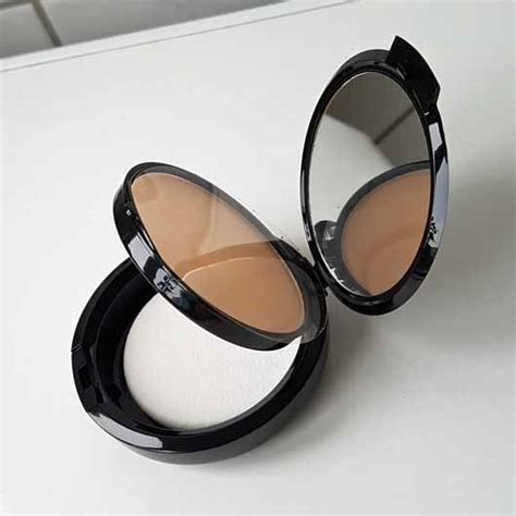 Nyx Stay Matte Powder Foundation test foundation nyx stay matte but not flat powder