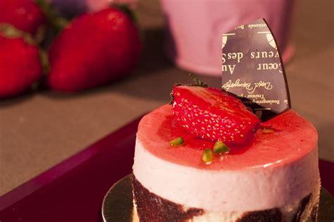 libro au coeur des saveurs au coeur des saveurs votre boulangerie de qualit 233 224 nyon et 224 gland p 226 tisseries