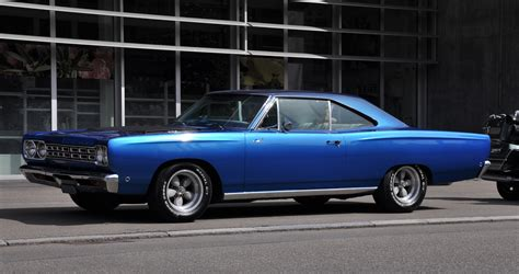 plymouth roadrunner wallpaper top 1968 plymouth road runner wallpapers