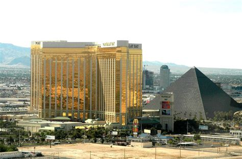 Photo Tour Of Mandalay Bay Resort Las Vegas
