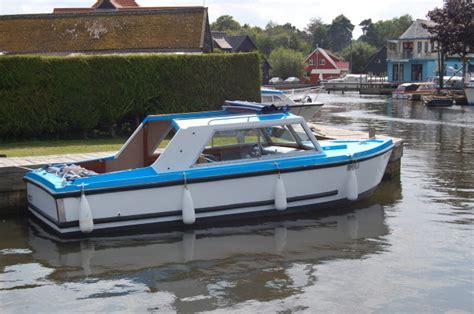 fishing boat hire brundall bertie boat riverside rentals