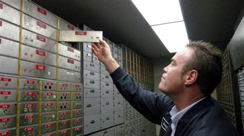 9 Items To Keep In Your Safety Deposit Box by 5 Reasons To Use A Safe Deposit Box 5 Reasons To Think