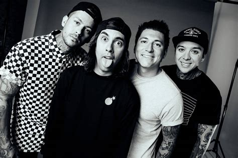 pierce the veil unleash circles video dork