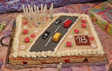 kuchen rezepte geburtstag f 252 hrerschein torte zum 18 geburtstag rezept mit bild