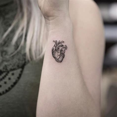 tattooed heart instagram the 25 best anatomical heart tattoos ideas on pinterest