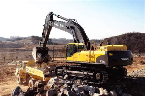 volvo ecc excavators  sale