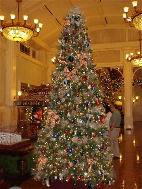 pool city christmas trees pittsburgh tree at the boardwalk picture of disney s boardwalk inn orlando tripadvisor