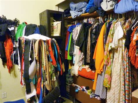 How Many Clothes Do I Need In Wardrobe by Backpackers Scared Of Reality Yet Hostelbookers
