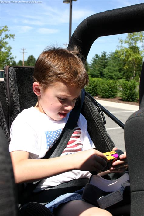 kids jeep wrangler kids love jeeps oh yeah the jeep guide