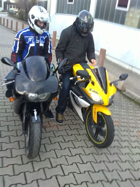 Aprilia Motorrad Forum by Aprilia Rs125 Vs Yamaha Yzf R125 125er Forum De