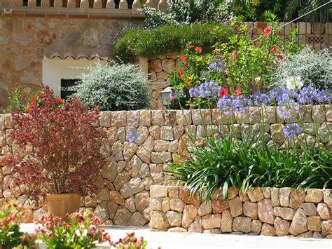 Tuscan Garden Ideas Mediterranean Garden On Pinterest Mediterranean Garden Tuscan Garden And Bougainvillea