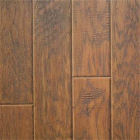 innovations henna hickory laminate flooring 5 in x 7 in