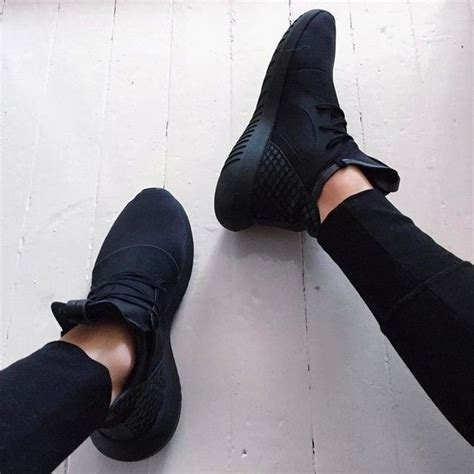 25 best ideas about black sneakers on nike