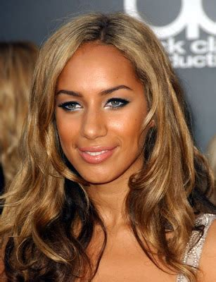 caramel colored hair brown hair with caramel highlights brown highlights