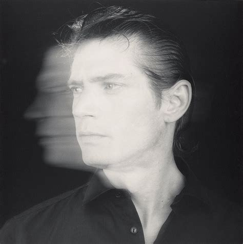 the perfect timing of robert mapplethorpe s perfect medium grazia australia why we can t forget robert mapplethorpe out magazine